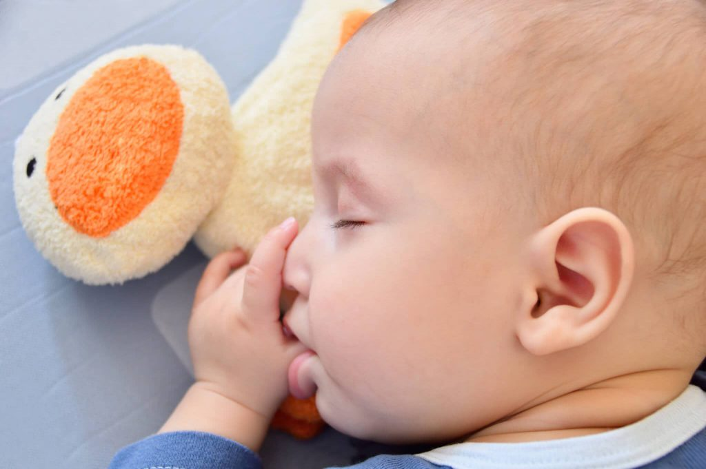 قطع کردن شیر نوزاد برای جلوگیری از تثبیت دهانی
