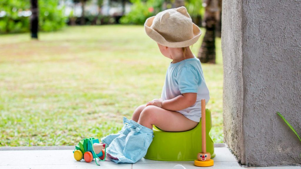 از پوشک گرفتن کودک و هرآنچه پدر و مادر در این خصوص باید بدانند