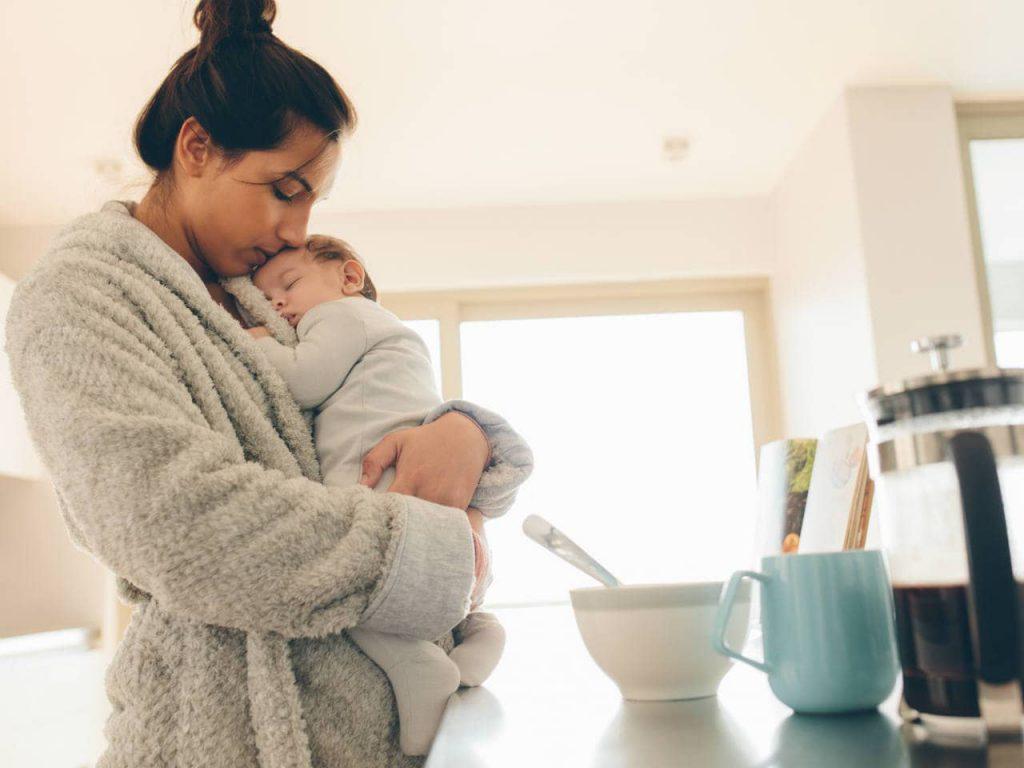 آغوش مادر در رشد نوزاد
