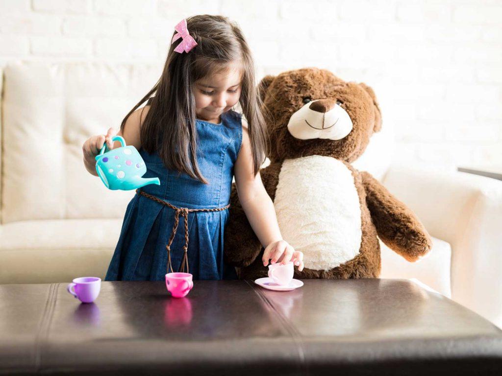 دوست خیالی دختر در سه سالگی