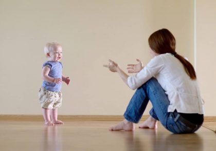 راه رفتن کودک در دوازده ماهگی