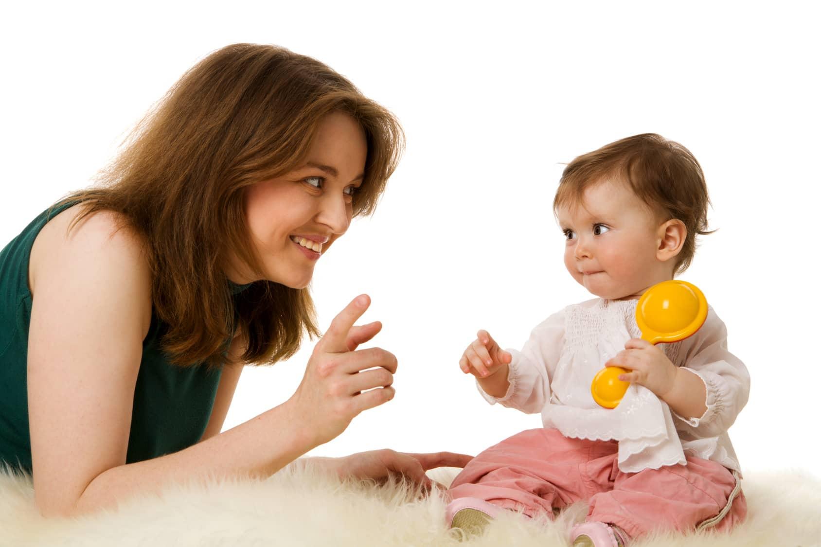 حرف زدن مادر با کودک هفته چهارم دوازده ماهگی کودک