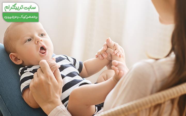 رشد زبانی کودک در هفته هشتم تولد