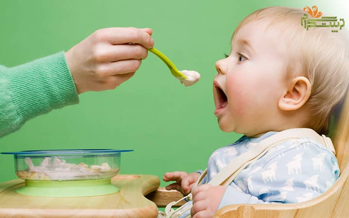 بد غذا شدن کودک در پنج ماهگی