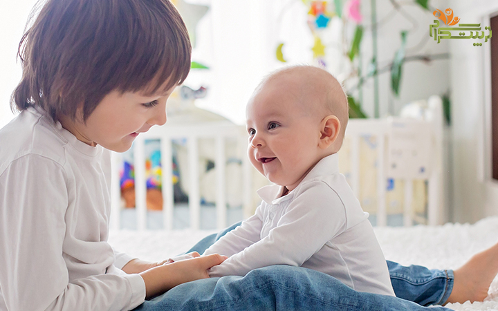 نشستن نوزاد