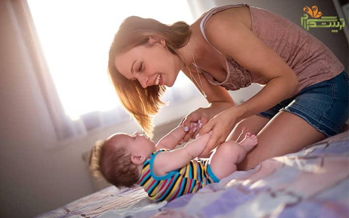 پرستار برای نوزاد در شش ماهگی