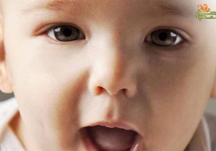 هقته دوم هشت ماهگی؛ قان و قون کردن نوزاد