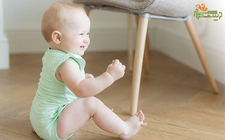حرکات درشت کودک در هفت ماهگی