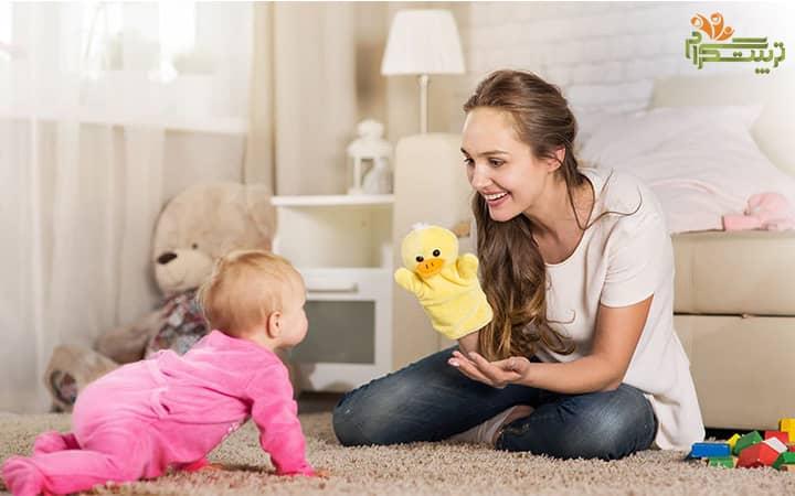 بازی با کودک در هفته اول هشت ماهگی نوزاد