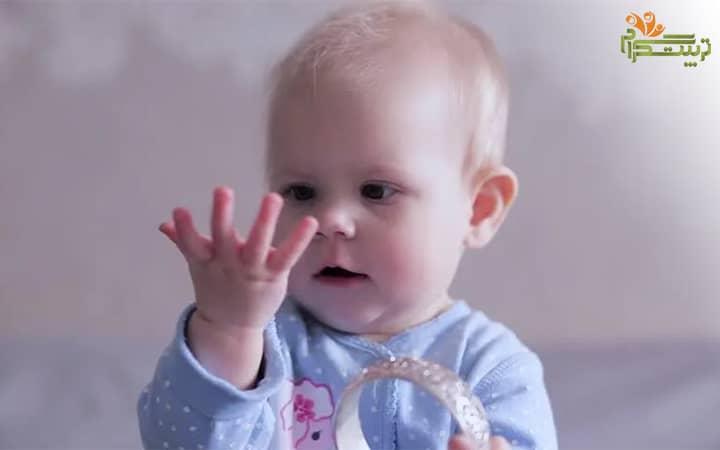 چپ دست یا راست درست در هفته دوم هفت ماهگی