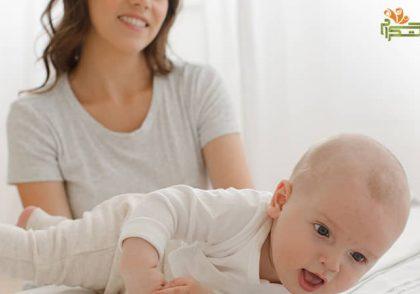 هفته اول هفت ماهگی نوزاد؛ چرخیدن نوزاد